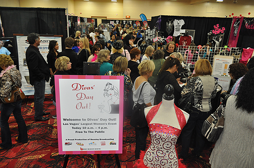 The Las Vegas Women's Day Out Expo. A room filled with women visiting various booths.